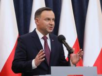 Poland: Duda will sign Shoah law, but sends to court