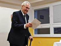Czechs vote in parliamentary election for second day