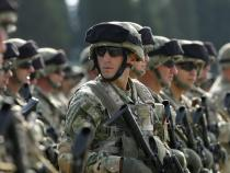 Hungary OKs NATO, EU troops to help guard border