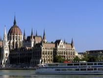Hungary, EU Commission stops funding, over irregularities