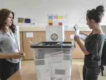 Kosovo holds municipal vote, Pristina City Hall is top prize