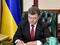 "Ucraina, Poroshenko signed law on ""lustration"""