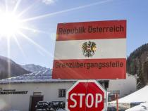 Migrants: Austria boosts border controls