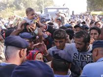 Police and asylum-seekers scuffle in Croatia
