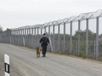 Hungary asks EU to help pay for anti-migrant border fence