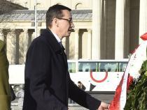 Poland: EU, premier will see Juncker on Jan. 9, 'good sign'