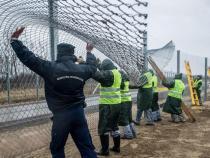 EU tells Orban it 'doesn't fund barriers'