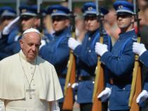 Pope urges Bosnians to work for peace, reconciliation