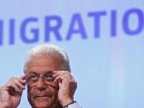 Avramopoulos says Schengen must go back to normal operation